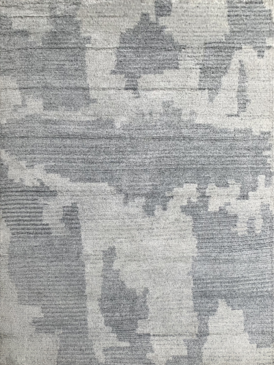 Carpetmantra Handknotted Bamboo Silk Grey Silver Carpet 5.3ft X 7.7ft